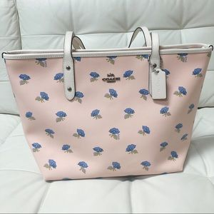 Limited Coach City Zip Tote NEW